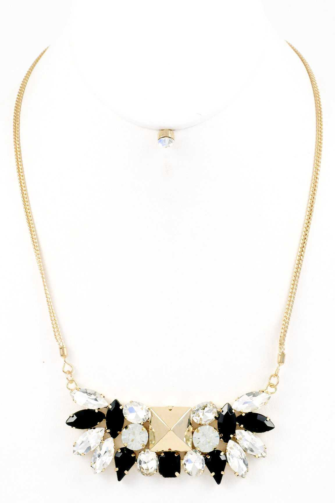 Oval Crystals and Acrylic Necklace Set