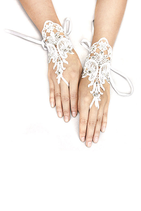 GEMSTONE WEDDING LACE GLOVE