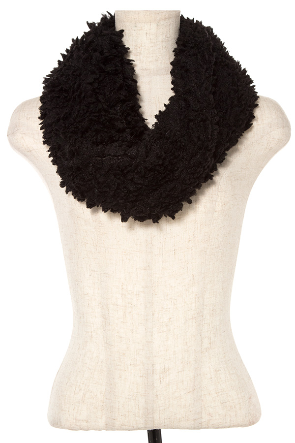 TWISTED COMFY FAUX FUR INFINITY SCARF