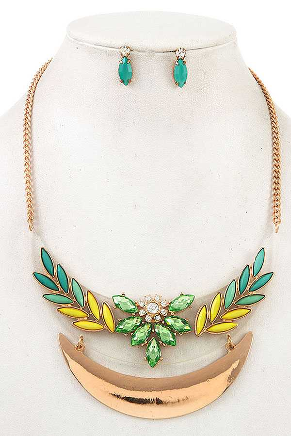 GEM ORNATE BIB NECKLACE SET