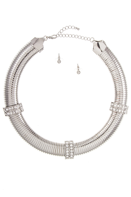 Chunky Snake Chain Detailed Pave Rhinestone High Neck Necklace S