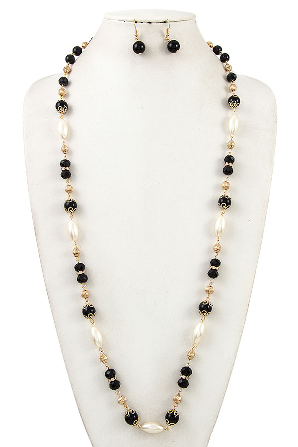 ELONGATED PEARLA AND BEAD NECKLACE SET