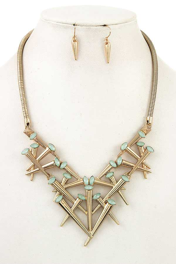 CLUSTER NAIL BIB NECKLACE SET