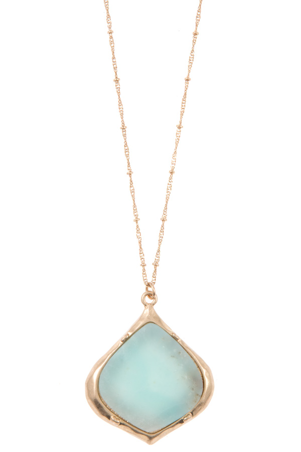FAUX GEM PENDANT LONG NECKLACE