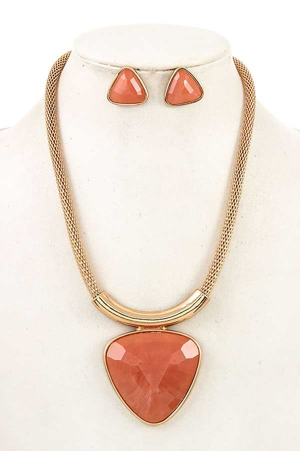 Chunky Chain Triangular Framed Drop Gemstone Pendant Necklace