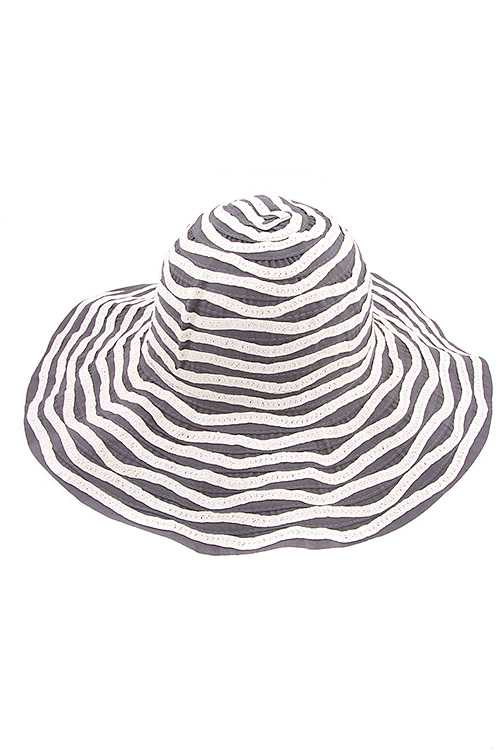 Wavy Stripe Pattern Two Tone Hat