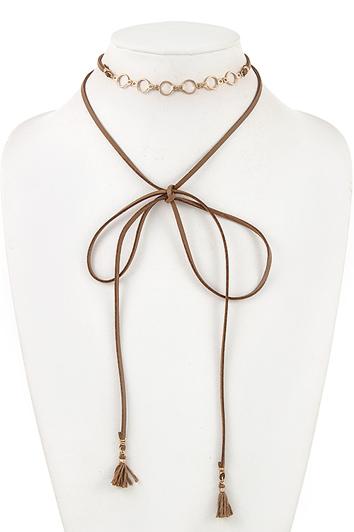 Round Ring Link Faux Leather Wrap Choker