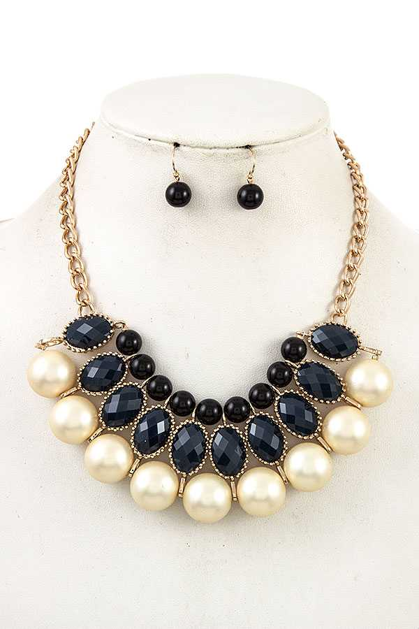 FACETED OVAL PEARL BIB NECKLACE SET