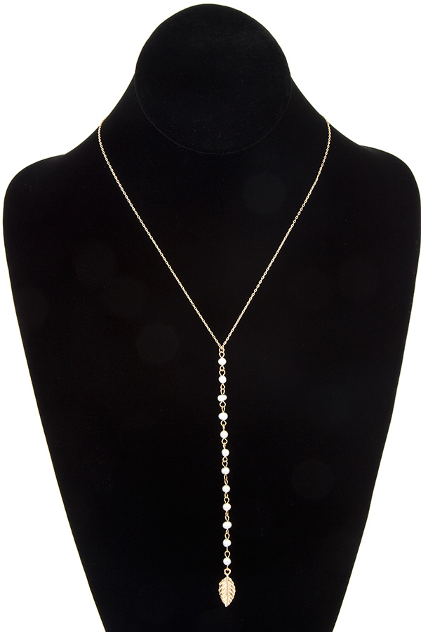 Aligned Water Pearl Leaf Pendant Necklace