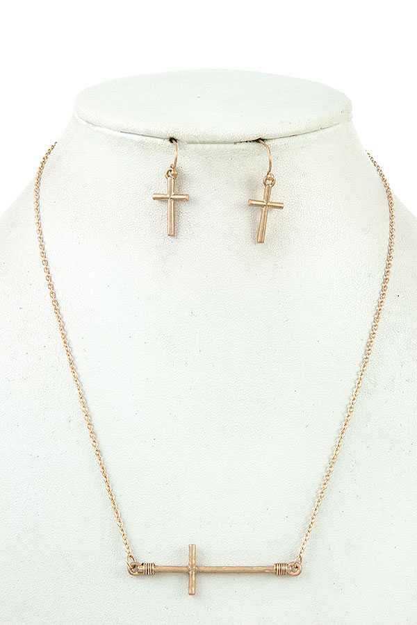 WIRED CROSS PENDANT NECKLACE SET