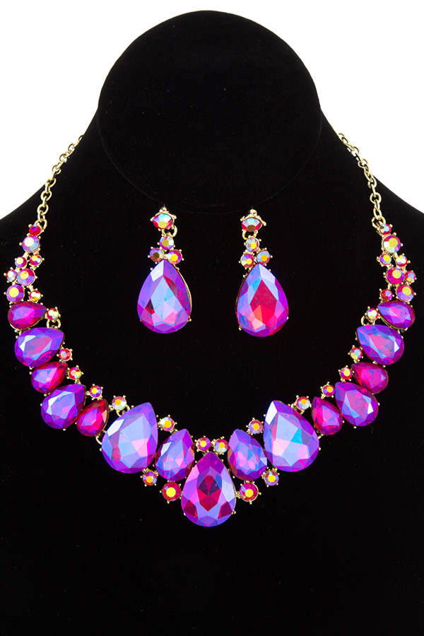 FACETED TEARDROP GEM LINK BIB NECKLACE SET