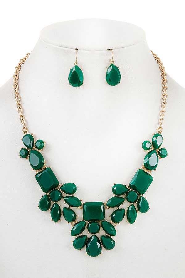 SEMI FLORAL FACETED STONE BIB NECKLACE SET