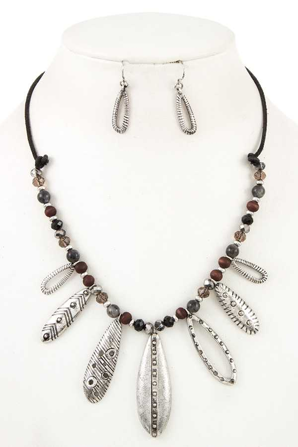 LEAF FRINGE BIB NECKLACE SET