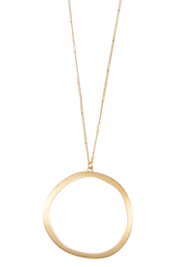 ELONGTED WAVY CIRCLE PENDANT NECKLACE SET