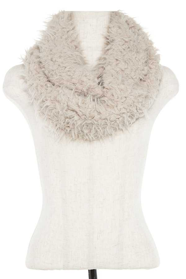 DOUBLE SIDED FLUFFY KNIT INFINITY SCARF