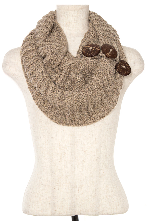 BUTTON ACCENT INFINITY SCARF