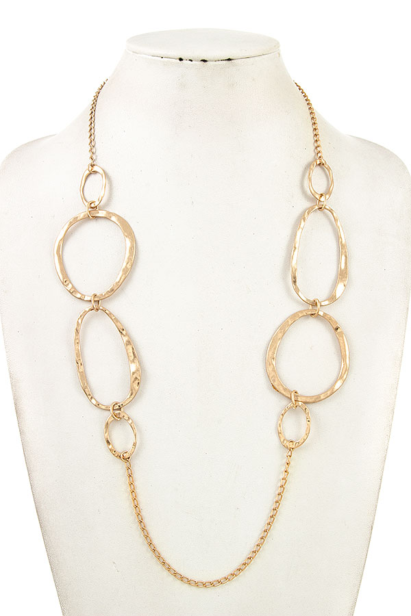 HAMMERED LINK OVAL CUT NECKLACE