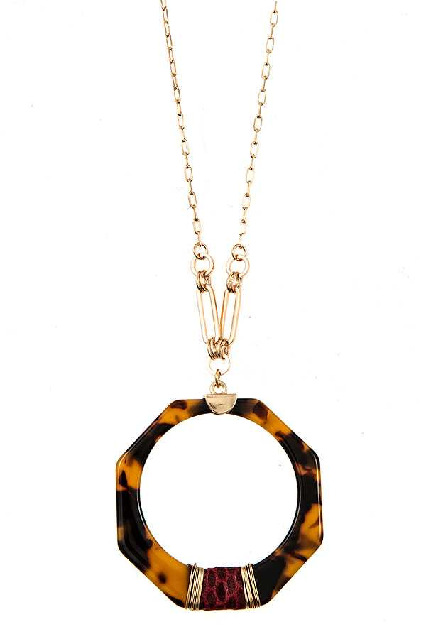 ELONAGATED TORTOISE WIRED PENDANT NECKLACE