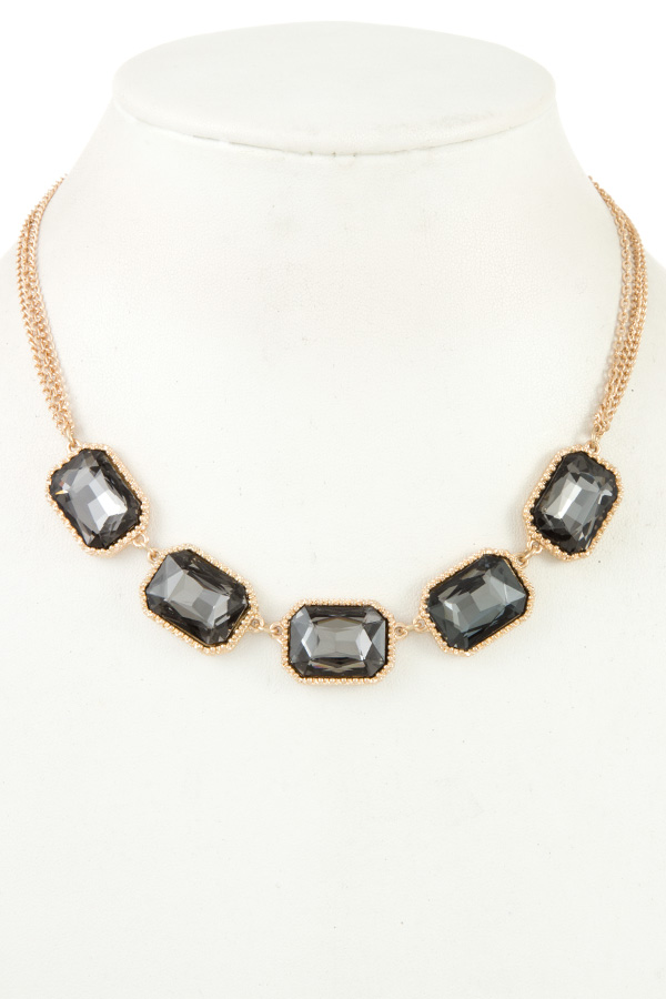FACETED CRYSTAL GEM SHORT NECKLACE