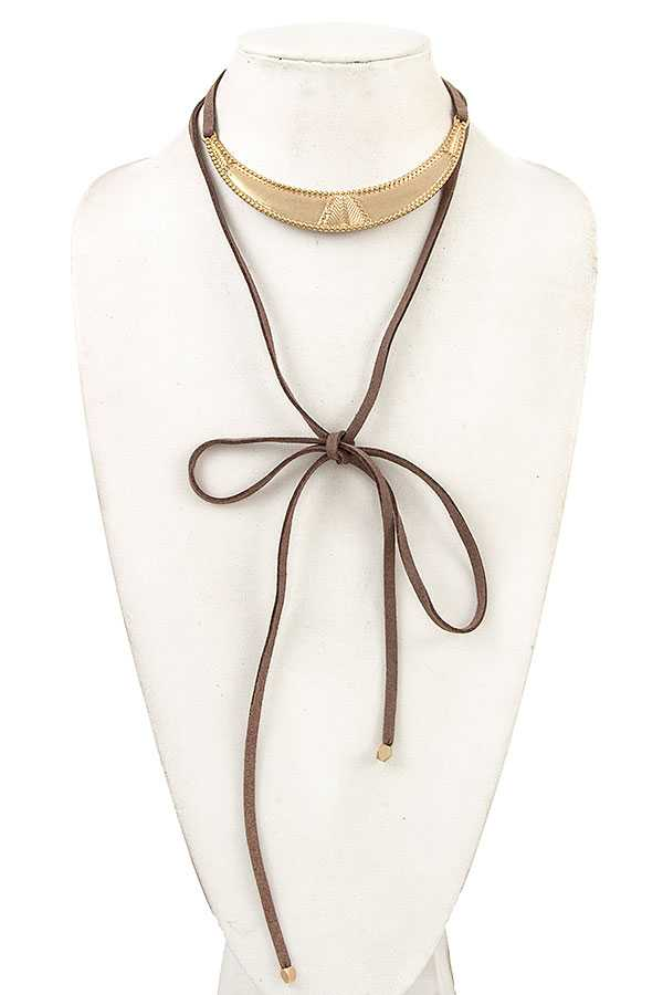CURVE METAL FAUX SUEDED CORD NECKLACE