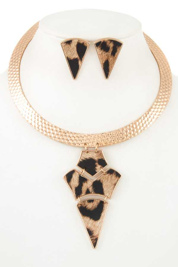 LINK TRIANGLE PENDANT COLLAR NECKLACE SET