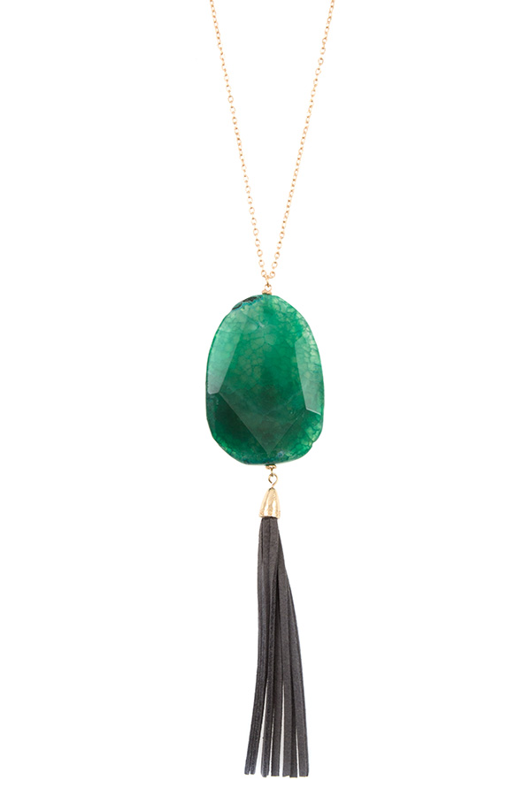 ELONGATED AGATE STONE PENDANT SUEDE TASSEL NECKLACE