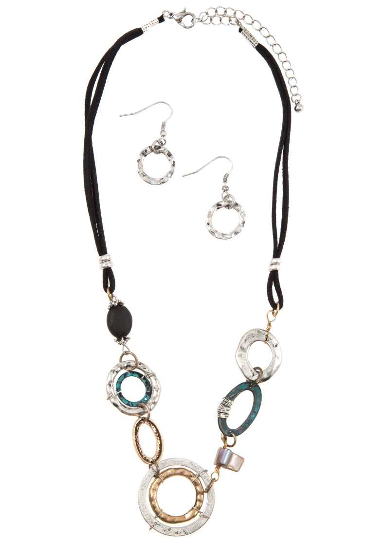 Multi Ring Link Stone Accent Cord Necklace Set