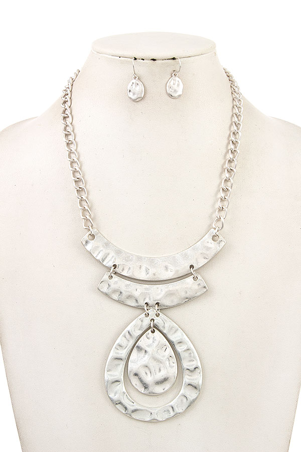 Hammered Bib Teadrop Necklace Set