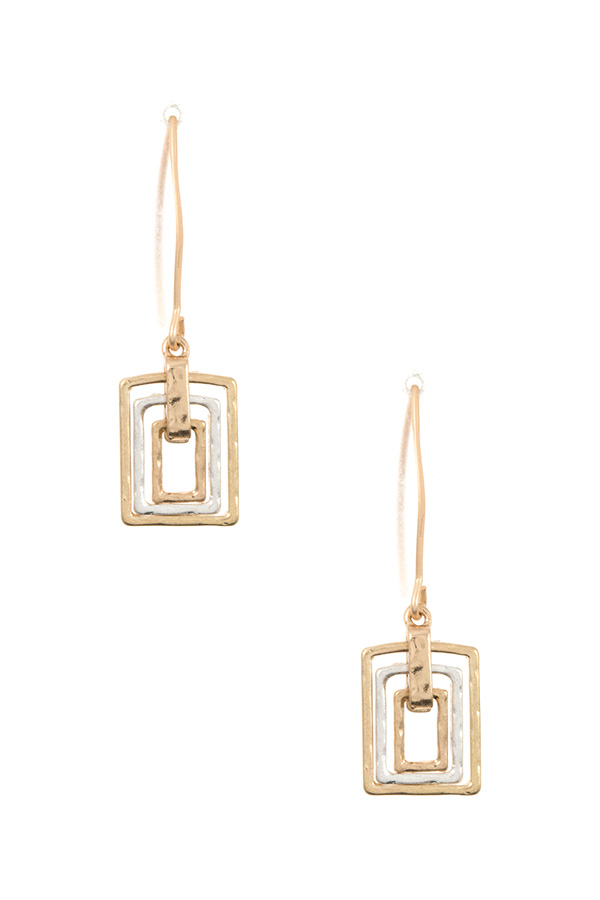 HAMMERED TRIPLE LINK DANGLE EARRING