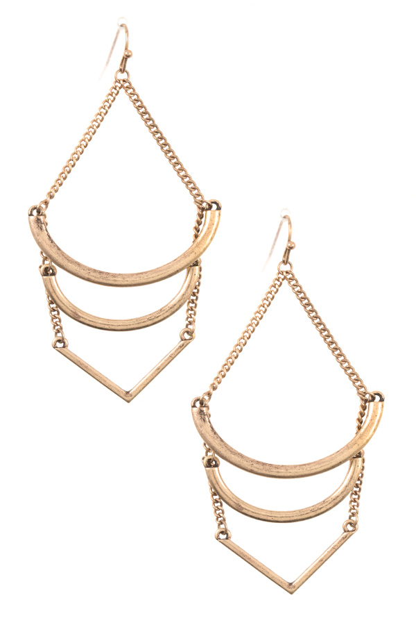 TIERED LINK CHAIN DANGLE EARRING
