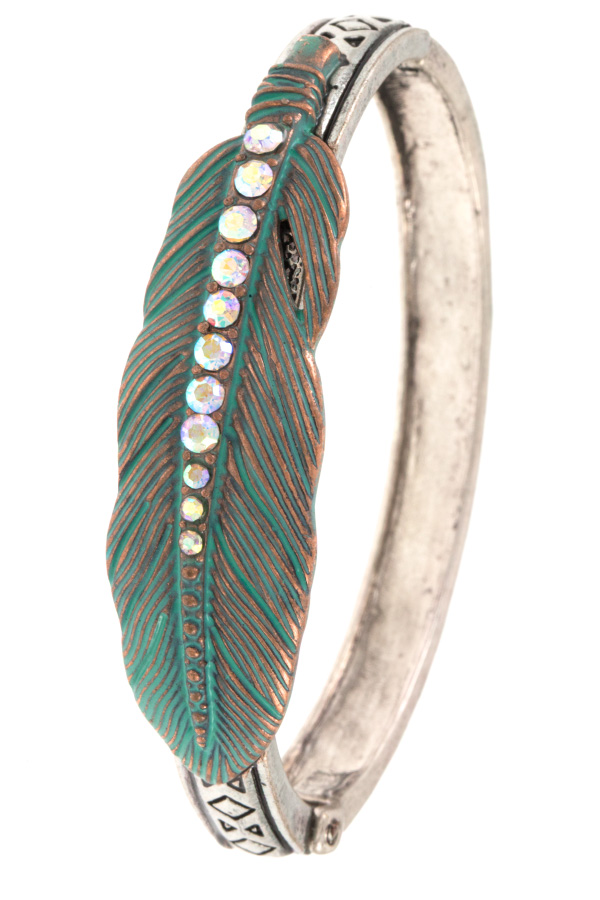 STUDDED ETCHED FEATHER HINGE BRACELET