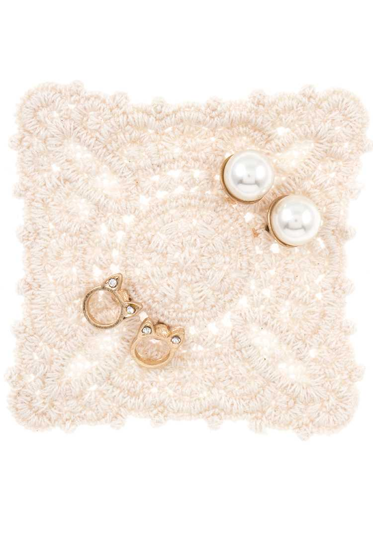 Faux Pearl and Kitty Dainty Stud Earring Set