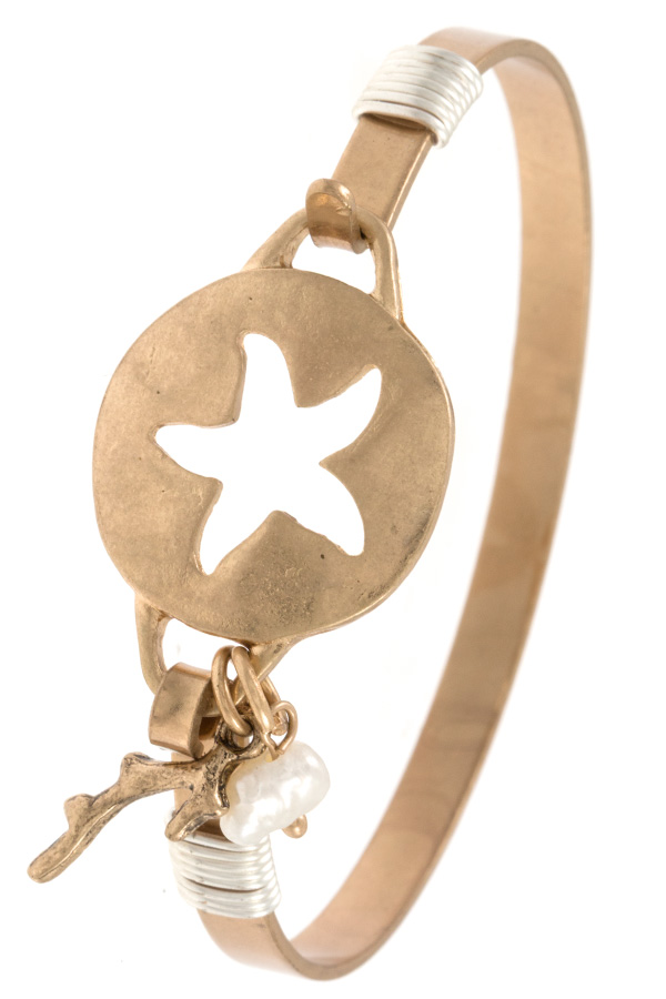 STARFISH CUT OUT BANGLE BRACELET