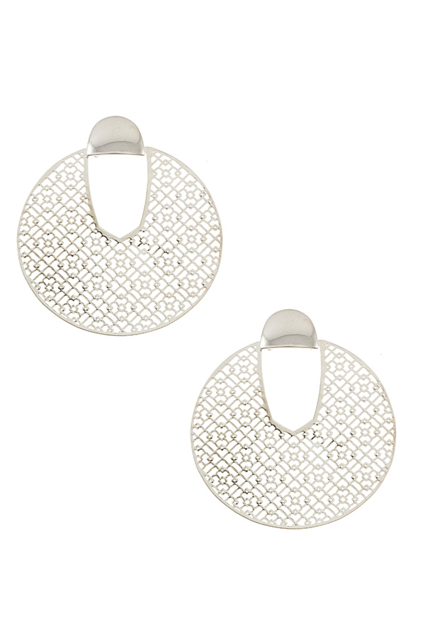 ROUND CUT OUT EARRING