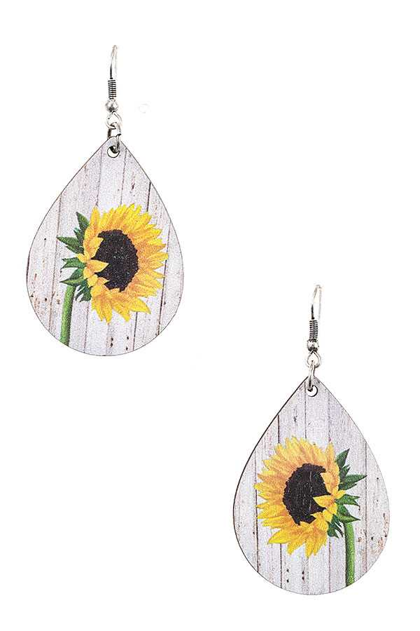 FLORAL DANGLE EARRING
