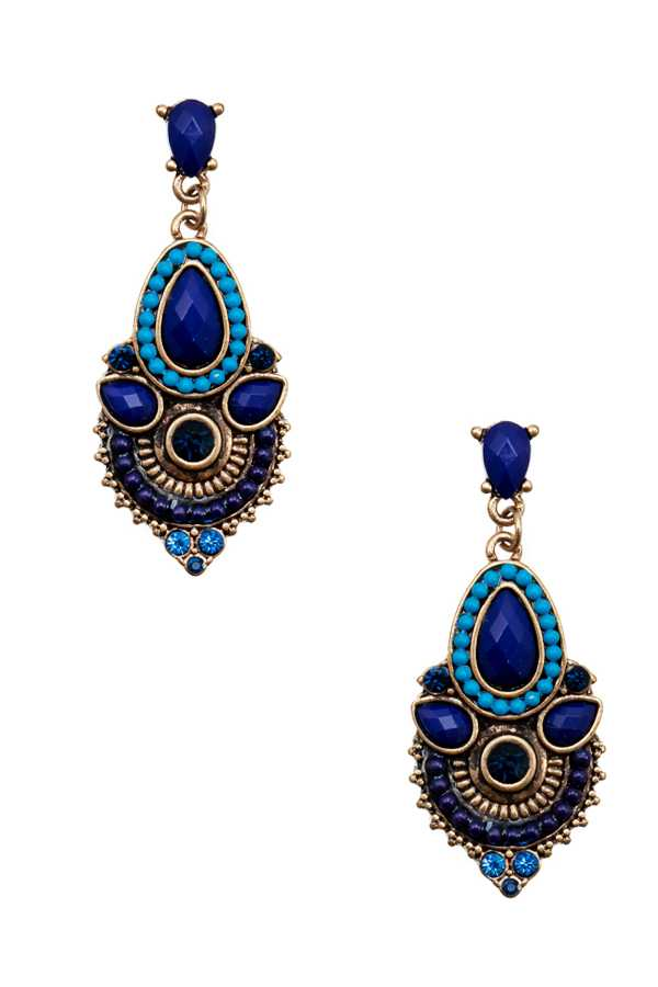 CHARMING BLUE LAC EARRING
