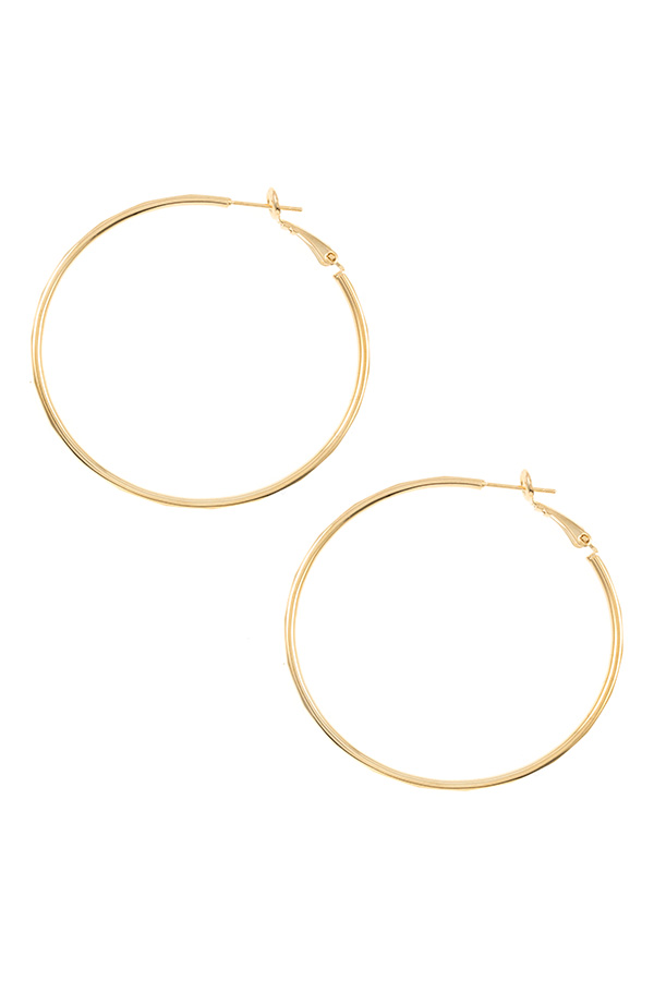 DENTED DETAILED HOOP EARRING