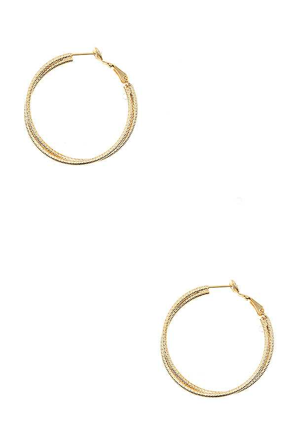 INTERTWINED CIRCLE DETAILED EARRING